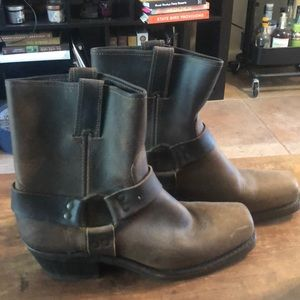 Frye Harness 8R Ankle Boots